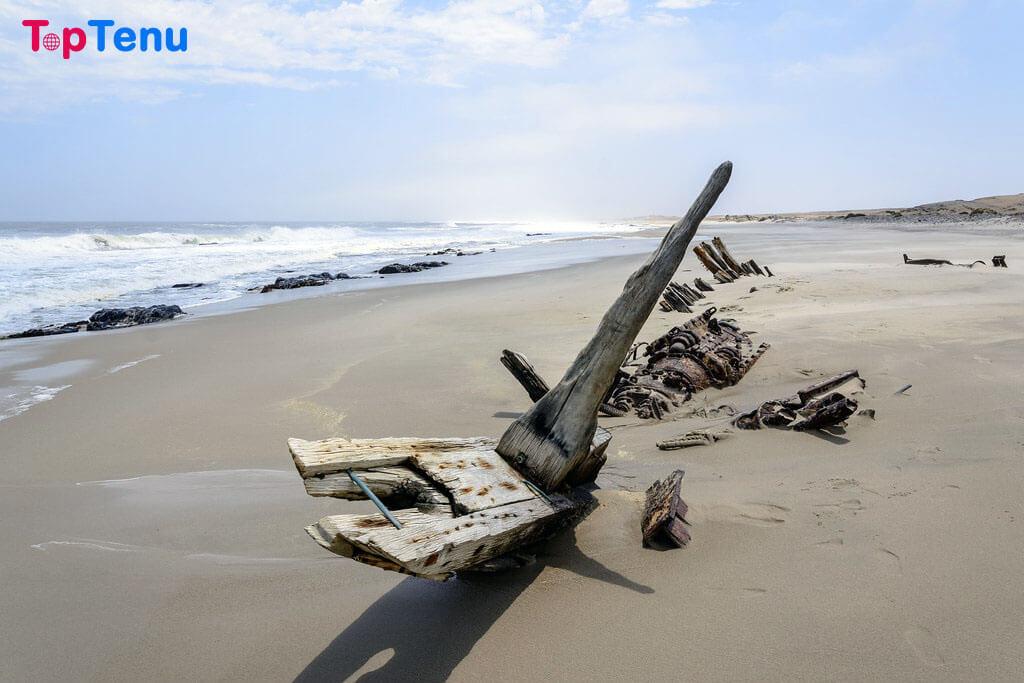 Dangerous Beaches, 10 Most Dangerous Beaches in the World